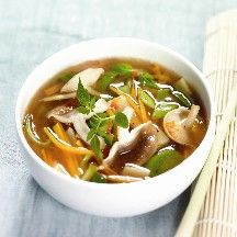 Oosterse groentesoep Recept | Weight Watchers Nederland Asian Recipes, Healthy Recipes, Ethnic Recipes, Weith Watchers, Lean Cuisine, Good Food, Yummy Food, Vegan Soup, Weight Watchers Meals