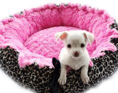 Cama para mascotas Minky Damasco con punto rosa por OnePoshPup