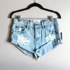 """One teaspoon bandits shorts NWT one teaspoon bandits cut off shorts in """"dream"""" wash. Bought from free people. Very cute shorts. Selling to buy a smaller size! These do run about a size large if you want your shorts to be more fitted. Other wise they're true to size if you want more of a """"boyfriend"""" fit. The fly is button up. ❌no trades. Price firm on these. One Teaspoon Shorts Jean Shorts"""