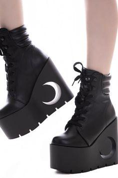 Vendetta Boots [B] Black Platform Boots, Platform High Heels, Black High Heels, Goth Platform Shoes, Black Boots With Heels, Style Grunge, Soft Grunge, Aesthetic Shoes, Aesthetic Clothes