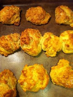 Quick and Easy Drop Biscuits. Made these, quick and easy recipe, basic but nice to have in the arsenal when you need something in a few minutes. Prob would make good dumplings, too. Homemade Drop Biscuits, Easy Drop Biscuits, How To Make Biscuits, Biscuit Bread, Biscuit Recipe, Biscuits Self Rising Flour, Baking Powder Biscuits, Cooking Recipes, Bread Recipes