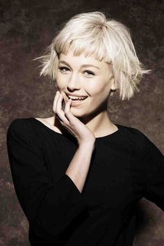25-Cute-Short-Hairstyles-for-Round-Faces-16.jpg 500×749 pikseliä