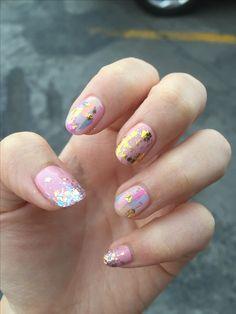 Pink Gold Glitter Gel Nails #pink  #gold  #glitter #glass #gelnails #nailfoil #goldflakes