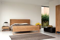 OAK NORDIC BED - Designer Beds from Ethnicraft ✓ all information ✓ high-resolution images ✓ CADs ✓ catalogues ✓ contact information ✓ find. Teak Furniture, Retro Furniture, Bedroom Furniture, Bedroom Bed, Bed Design, Bed Frame, Home Deco, Nordic Bedroom, Night Stands