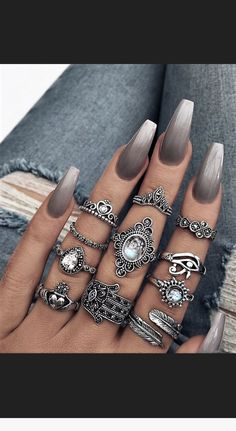 These are beautiful! The rings and nails! For more Nageldesign - Nagel, These are beautiful! The rings and nails! For more Nageldesign Du vernis violet bright au foncé, l'ongle purple sera la tendance du printemps prochain. Nail Art Designs, Acrylic Nail Designs, Nails Design, Coffin Nail Designs, Ombre Nail Designs, Gray Nails, White Nails, Gray Nail Art, Cute Acrylic Nails