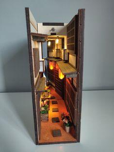 Old town Japan miniature diorama bookend booknook shelf insert Miniature Crafts, Miniature Houses, Coffee Table Design, Vitrine Miniature, Design Furniture, Book Nooks, Miniture Things, Small World, My New Room