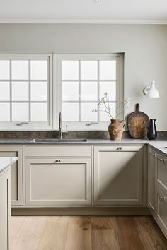 Reflecting the very essence of their brand, Swedish Kitchen Company Nordiska Kök have created the Nordic Kitchen. Inspired by the bright . Greige Kitchen, Kitchen Interior, Kitchen Trends, Kitchen Remodel, Beige Kitchen, Home Kitchens, Greige Kitchen Cabinets, Rustic Kitchen, Kitchen Design