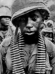 yard stare or yard stare is a phrase coined to describe the limp,blank, unfocused gaze of a battle-weary soldier. Vietnam History, Vietnam War Photos, Vietnam Veterans, Honor Veterans, Military Veterans, American War, American Soldiers, African American History, Native American