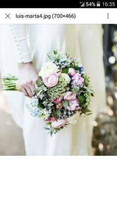 Vintage Bridal Bouquet, Wedding Flowers, Wedding Dresses, Floral Wreath, Wedding Photography, Feminine, Wreaths, Table Decorations, Bride