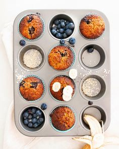 Banana and Blueberry Muffins 🤤 this is the same Banana and Blueberry bread recipe from my BARE Taste Tester , just made into muffins for… Blueberry Bread Recipe, Banana Blueberry Muffins, Banana Bread Recipes, Blue Berry Muffins, Healthy Baking, Healthy Snacks, I Love Food, Keto Recipes, Easy Meals