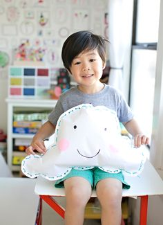 Kid-Made Happy Cloud Pillow – Materials Rainy Day Activities, Art Activities For Kids, Diy Crafts For Kids, Toddler Activities, Bible Activities, Creative Crafts, Clouds For Kids, Paper Clouds, Preschool Weather