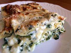 Le lasagne ricotta e spinaci sono un delicato primo piatto vegetariano, morbide e cremose con mozzarella e parmigiano. Da personalizzare.