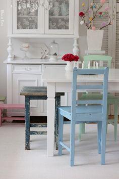 Stühle - Alter Shabby-Chic Stuhl - ein Designerstück von bleuetrose bei DaWanda