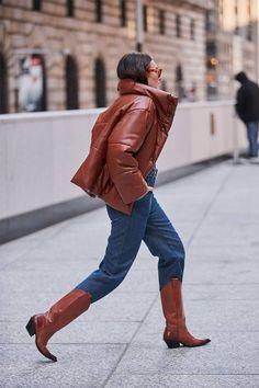 New York Fashion Week Schuhtrends: Cowboystiefel - Spring Fashion Trends, Latest Fashion Trends, Autumn Fashion, Fashion Pants, Fashion Outfits, Womens Fashion, Fashion Shoes, Cheap Fashion, Who What Wear