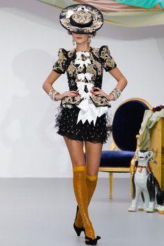 Meadham Kirchhoff Spring 2013 Ready-to-Wear Fashion Show - Helen McCusker