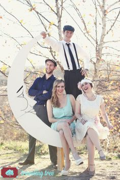 Paper Moon Photo booth and Bench Prop for 1920s by DAPPSY on Etsy  Traveling Tree Photography www.travelingtreephoto.com #papermoon #dappsycollection