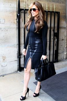 Jennifer Lopez with Loewe Amazona bag -- this outfit looks like she's ready to kick ass.