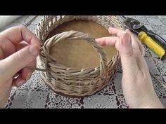 Newspaper Basket, Newspaper Crafts, Handmade Crafts, Diy And Crafts, Paper Basket Weaving, Pine Needle Crafts, Paper Magic, Wicker Baskets, Creations