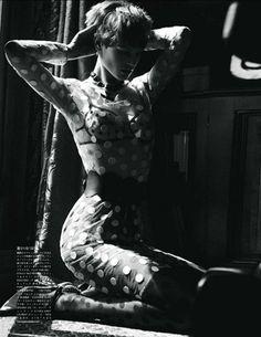 saskia de brauw (versace)  photo mikael jansson