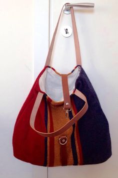 Leather and mesh bag. Hand Made. Made in Italy. https://www.facebook.com/Claire-bags-and-more-1073212409356478/