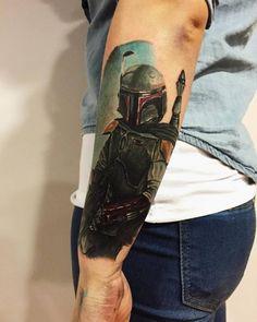 Realistic Boba Fett tattoo on the left forearm. Darth Maul Tattoo, Stormtrooper Tattoo, Boba Fett Tattoo, War Tattoo, Star Wars Tattoo, Falcon Tattoo, Latest Tattoo Design, Angel Tattoo Designs, Tattoo Shows