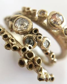 These barnacle rings by @amipepperjewellery have so much gorgeous texture, a perfect alternative engagement ring!