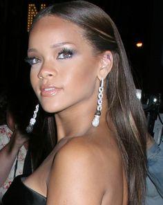 Rihanna Sleek Straight Long Hairstyle - Rihanna Long Hairstyles