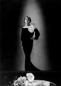 Diana Wynyard 1933 by Clarence Sinclair Bull
