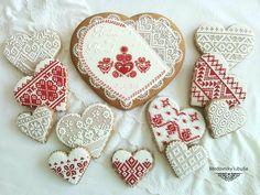 Cake with Slovak emboidery patterns Cranberry Cookies, Honey Cake, Heart Cookies, Pumpkin Cookies, Christmas Cooking, Custom Cookies, Cookie Designs, Shortbread Cookies, Cross Stitch Designs