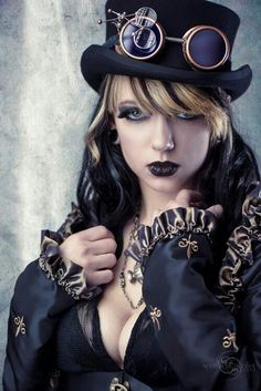 Stunning Steam Punk ☮k☮ - COSPLAY IS BAEEE! Tap the pin now to grab yourself some BAE Cosplay leggings and shirts! Steampunk Cosplay, Chat Steampunk, Viktorianischer Steampunk, Steampunk Clothing, Steampunk Fashion, Gothic Fashion, Steampunk Makeup, Steampunk Jacket, Steam Punk