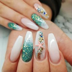 You can enjoy its beauty though without fear by using a starfish nail art design. You can buy starfish nail art decorations or you can have the starfish painted on your nails. Best Acrylic Nails, Summer Acrylic Nails, Perfect Nails, Gorgeous Nails, Cute Nails, Pretty Nails, Sea Nails, Vacation Nails, Nagel Gel