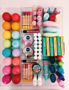 59 best ideas makeup collection organization make up Cosmetic Storage, Makeup Storage, Makeup Organization, Room Organization, Makeup Collection Storage, Beauty Skin, Beauty Makeup, Diy Makeup, Makeup Geek