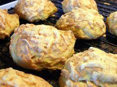 Gulerodsboller – Lavet på havregrød Fodmap, Couscous, Baby Food Recipes, Cauliflower, Bakery, Brunch, Pasta, Dessert, Food And Drink