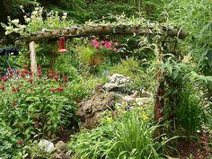 Exterior: Graceful Butterfly Garden Design Layout from Make A Butterfly Garden Design Hummingbird Garden, Garden Photos, Edible Garden, Garden Styles, Dream Garden, The Fresh, Container Gardening, Gardening Tips, Garden Landscaping