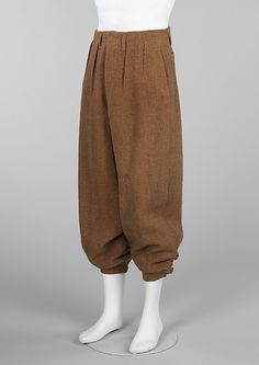 1937 Trousers (Knickerbockers),  attributed to F. Cruwys, British. Plus fours are a version of knickers so called because the traditional style was four inches longer and had fuller legs. They were worn for outdoor activities and sports, and were popularized in the 1920s by the Duke of Windsor, who preferred them for his hunting and sporting excursions. The Duke's fashion choices were widely copied. In 1937, when this pair of plus fours was purchased, the Duke of Windsor was very much in the…