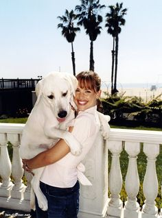 Jennifer Garner with Martha - Living with Dogs Famous Dogs, Famous People, Celebrity Dogs, Jennifer Garner, Jen Garner, Lady And The Tramp, Mans Best Friend, So Little Time, Dog Owners