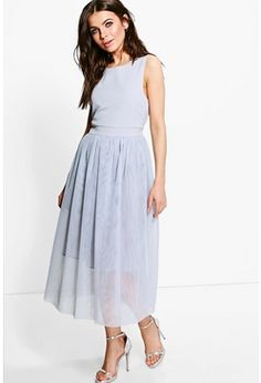Shop boohoo Canada's new limited edition Boutique clothing collection, including dresses, skirts, tops and jackets. Browse the boohoo Canada Boutique women's clothing collection today! Elegant Midi Dresses, Cute Dresses, Women's Dresses, Dresses Online, Gray Dress, Dress Up, Midi Skater Dress, Skater Dresses, Grey Bridesmaid Dresses