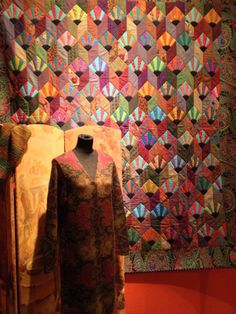Kaffe Fassett Quilt: vintage quilt re interpreted in his unique style. Quilting Projects, Quilting Designs, Scrappy Quilts, Patchwork Quilting, Asian Quilts, Japanese Quilts, Colorful Quilts, Book Quilt, Fabric Art