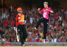 #Cricket  What a final over by Brett Lee to finish his career, in the Big Bash League, Final: Perth #Scorchers v Sydney #Sixers  4 2 1 W W 1 but the scorchers won for the 2nd consecutive year with that final run http://ozsportsreviews.com/category/cricket/