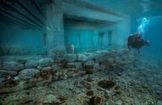 ΕΛΛΑΔΑ ΧΘΕΣ 12/7/2018!!Αρχαίος οικισμός του 2.800 π.χ βρέθηκε ανέπαφος στην ΕΛΑΦΟΝΗΣΟ και συγκεκριμένα στο ΠΑΥΛΟΠΕΤΡΙ -Μια ΟΛΟΚΛΗΡΗ υποβρύχια ΠΟΛΙΤΕΙΑ βρίσκεται 4 μέτρα κάτω από την επιφάνεια της θάλασσας-Ναοί διώροφα κτίρια, κήποι, νεκροταφείο και λιμάνι- Δείτε το ΒΙΝΤΕΟ του BBC ΜΕ ΕΛΛΗΝΙΚΟΥΣ ΥΠΟΤΙΤΛΟΥΣ!! - Volcano Times Magazine Where To Go, Northern Lights, Places To Visit, Travel, Conspiracy, Water, Gripe Water, Viajes, Traveling