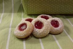 Engelsaugen 1 Christmas Baking, Christmas Cookies, Doughnut, Cheesecake, Peach, Candy, Cooking, Desserts, Recipes