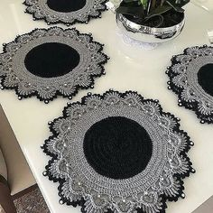 Embroidery Flowers Pattern, Embroidery Kits, Flower Patterns, Crochet Patterns, Crochet Placemats, Crochet Table Runner, Crochet Doilies, Free To Use Images, Diy Home Crafts