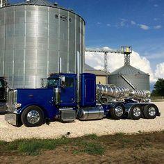 Peterbilt custom 389 heavy haul