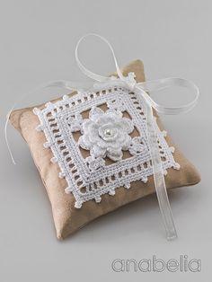 Wedding rings crochet cushion by Anabelia