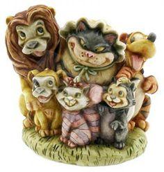 Harmony Kingdom Halloween Cats and Dogs Box
