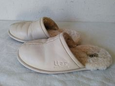 e7d22e66507dd8 UGG AUSTRALIA WOMEN S BEIGE HOUSE SLIPPERS CLOGS SHOES SIZE 7 S N 5617   fashion