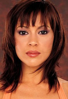 Alyssa Milano is my favorite and I like this cut but idk if it would work for me
