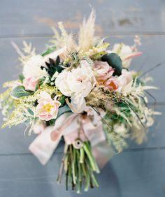 textural bridal bouquet