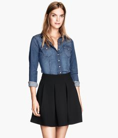 Fitted shirt in blue washed stretch denim with chest pockets. | H&M Denim