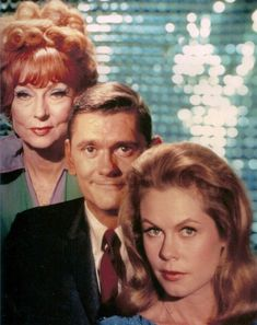 Agnes Moorehead, Dick York and Elizabeth Montgomery. Endora Bewitched, Bewitched Tv Show, Agnes Moorehead, Bewitched Elizabeth Montgomery, I Dream Of Jeannie, Old Tv Shows, Vintage Tv, Golden Age Of Hollywood, Classic Tv